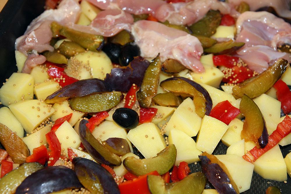 Pulpe de pui cu prune - crude