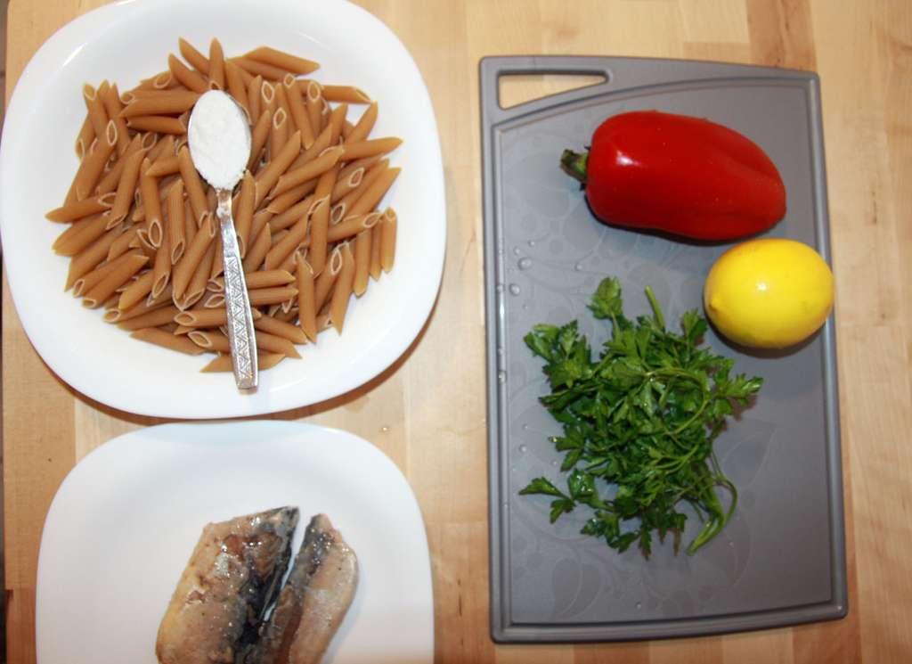 Ingrediente salata paste cu peste, dar fara porumb
